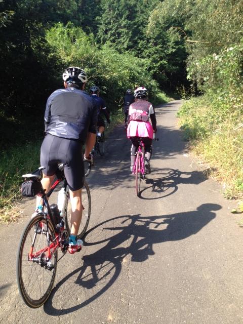 ブルベにはロードバイクのヘルメットにライトの取り付け必須