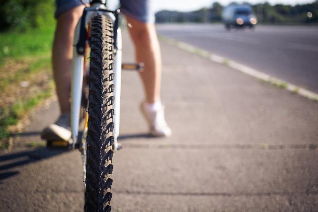 クロスバイクのタイヤは太いほうがいい!?選ぶポイント