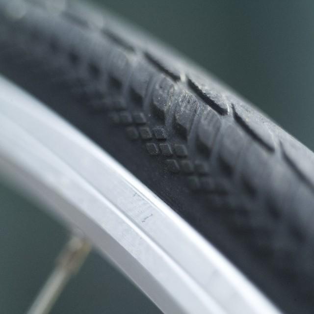 自転車のタイヤのリムに傷が!!自分で修正できる??