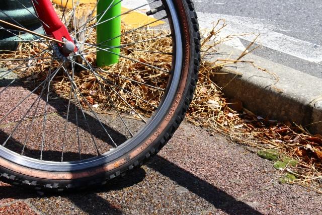 自転車のホイールバランスは重要!!振れ取りをしよう!