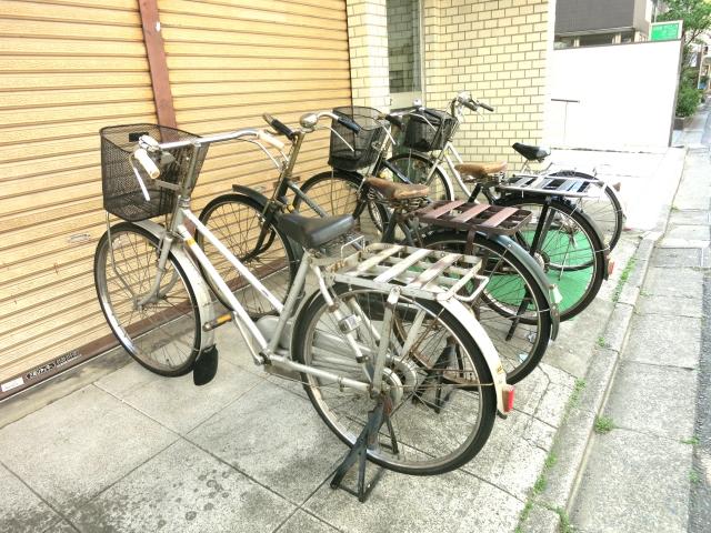 自転車の荷物の固定にゴムが便利!積み方と使い方とは!?