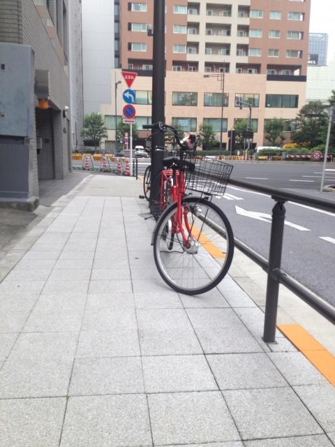 自転車は歩道を通行したり、駐輪することはできるのか!?