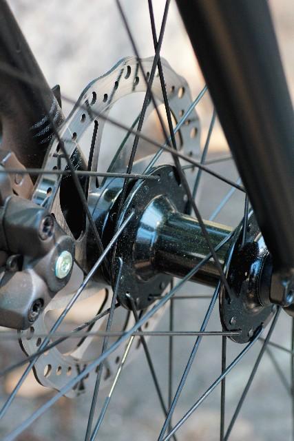 ホイールバランスが歪むとスポーツバイクにどう影響する?