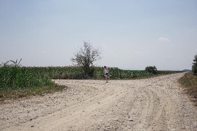 クロスバイクってどんな自転車!?砂利道は走れるの?