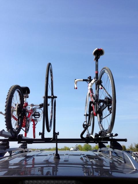 自転車を傷つけずに運びたい!固定するベルトと関連グッズ