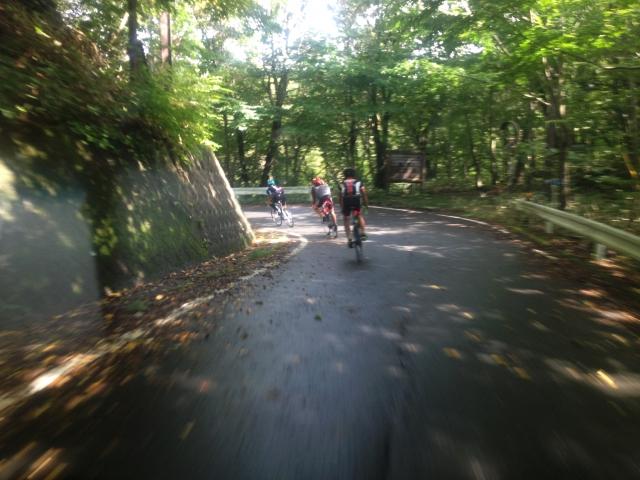 自転車でダウンヒル!ブレーキの使い方とペダルの踏み方!