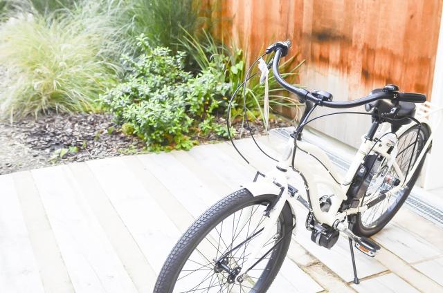 自転車タイヤ交換、時間はかかるけど自分でやれば安く済む!