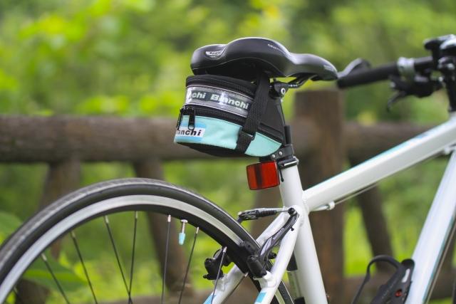 お手軽改造!クロスバイクのシートポスト交換で軽量化!