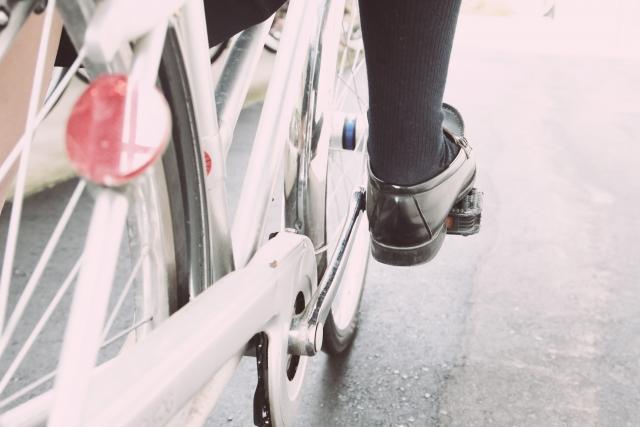 自転車の古いタイヤを新品タイヤに交換するタイミングとは?
