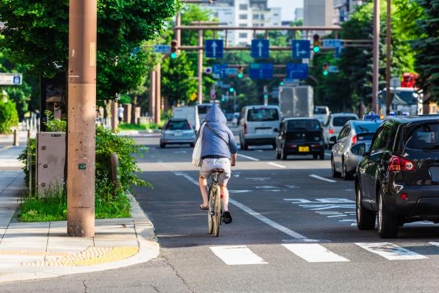 自転車で右折する時に二段階右折をしないと違反になる!?
