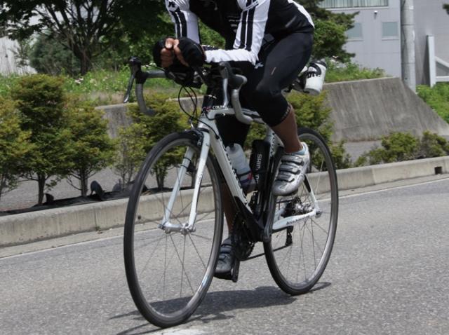 ロードバイクタイヤ「700x23c」とは?適正空気圧を知る方法