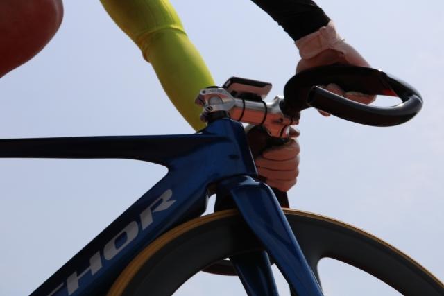カスタム欲が暴走!ピストバイクはハンドルが短いと良いの?