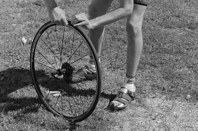 ロードバイクのタイヤとチューブ交換を自力で行おう