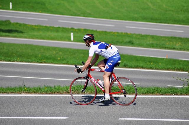 ロードバイクのホイールでヒルクライム用とはどんな特徴か?