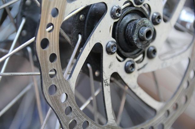 自転車の油圧ブレーキから確実にエア抜きするメソッドを紹介