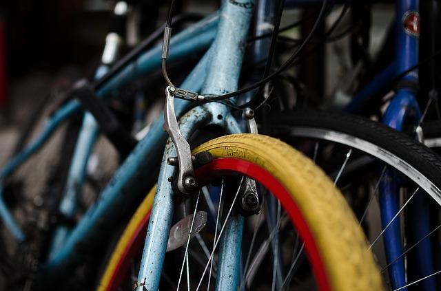 自転車のブレーキの汚れを放っておいてはいけない!