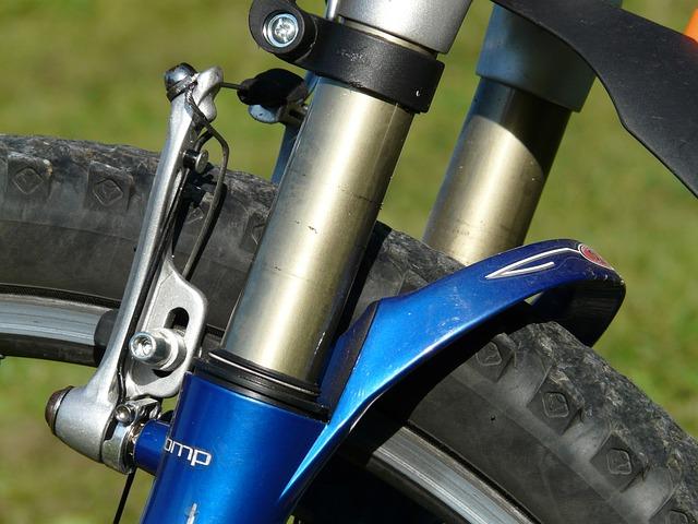 自転車のブレーキは前輪の方が制動力が強いので要注意!