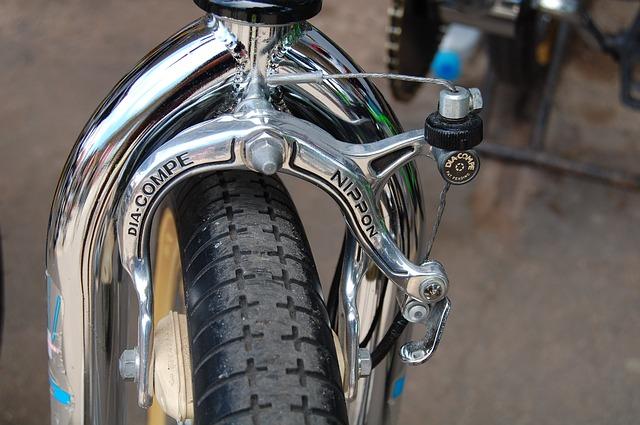 自転車のブレーキ調整をしよう~ワイヤー調整や交換が重要
