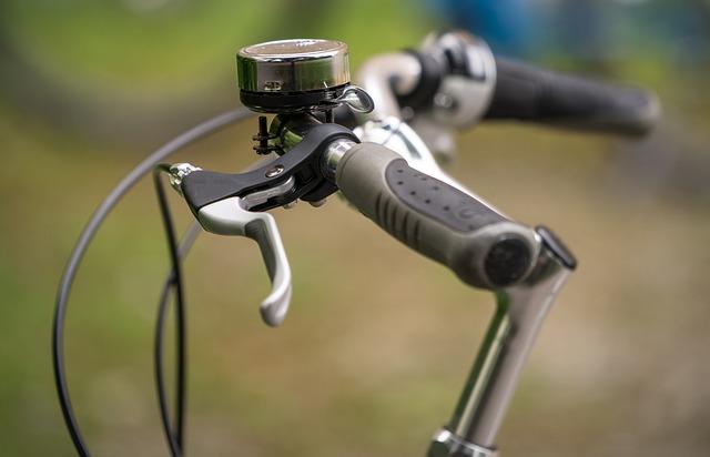 自転車のブレーキレバーは引きに注意!修理が必要か判断する