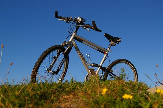 トレックのクロスバイクにバーエンドバーを装着して快適に