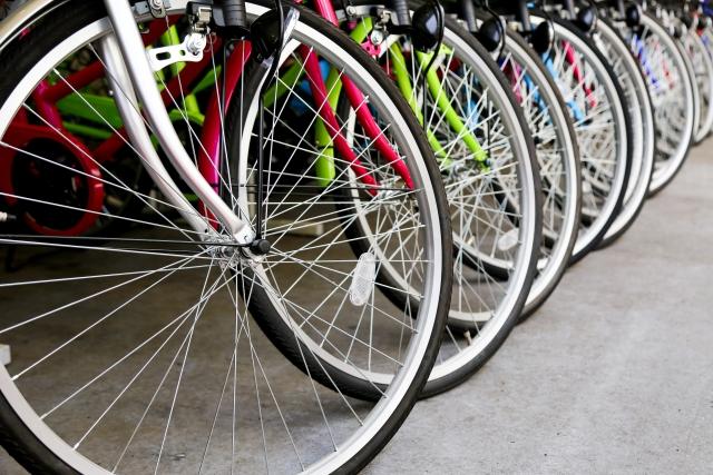 トレックのクロスバイクでタイヤの適正空気圧を守る意味とは