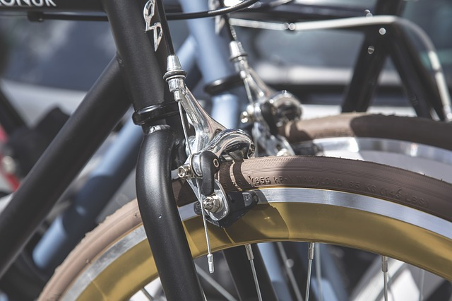 自転車のブレーキが車輪に擦れることがある?その対処法は?