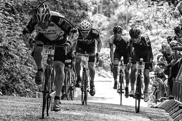 ヒルクライムは自転車での登坂競技!強くなるための練習とは
