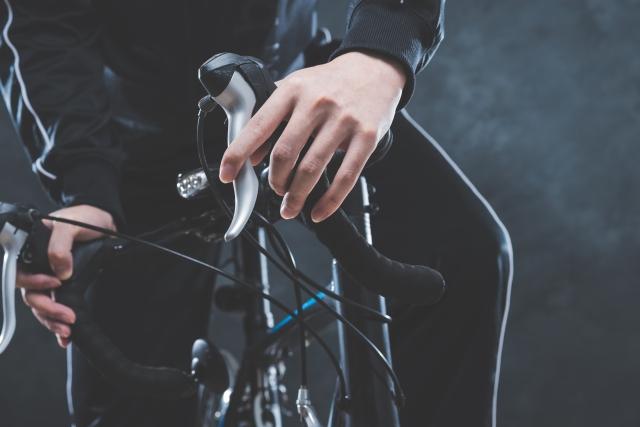 自転車はどうしたら止まるの?ブレーキの種類と原理!