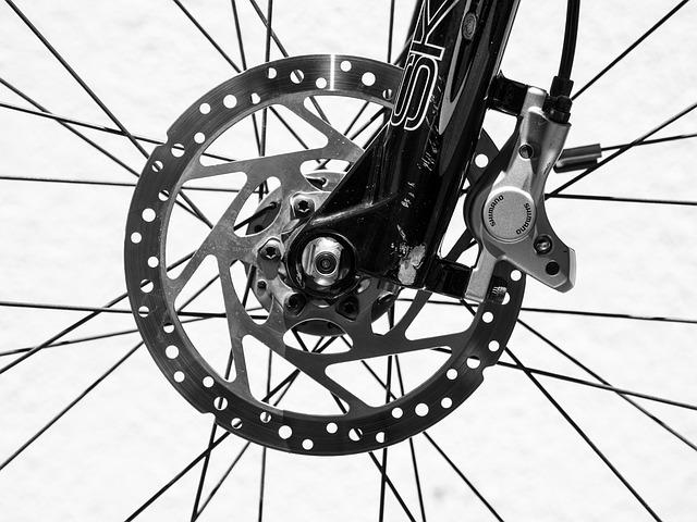 スポーツ自転車のブレーキは油圧式ディスクが主流になる?