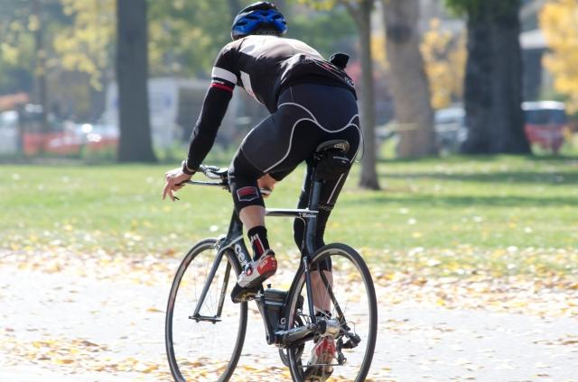 ロードバイクのサドルは重量にこだわる必要があるのか?