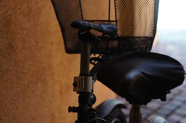 サドルカバーを付けて雨の日の自転車ライフを快適にしよう!