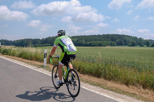 ロードバイクのサドル調整!角度・高さ・前後位置の合わせ方