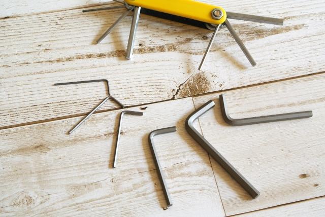 シマノのクランクキャップを専用工具なしで回す方法を検証!
