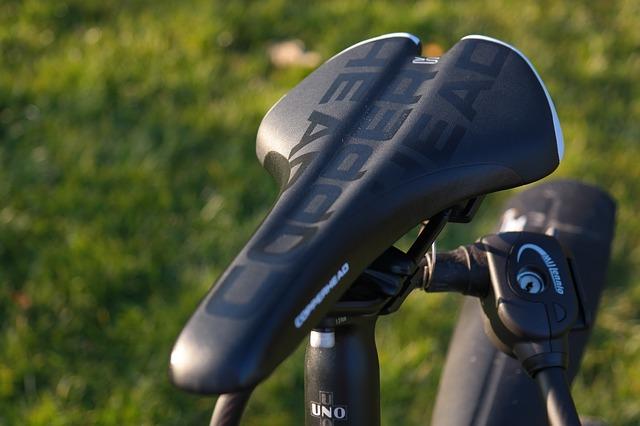 ロードバイクサドルのおすすめメーカー9選!選び方もガイド