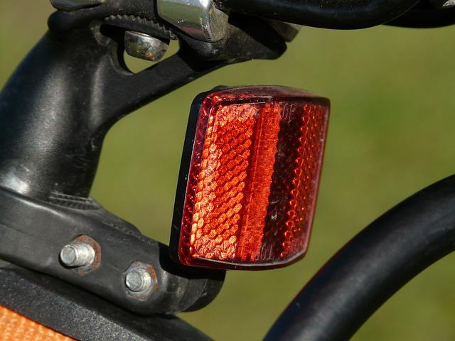 ロードバイクに不可欠のライトおすすめ12選!選び方もご紹介