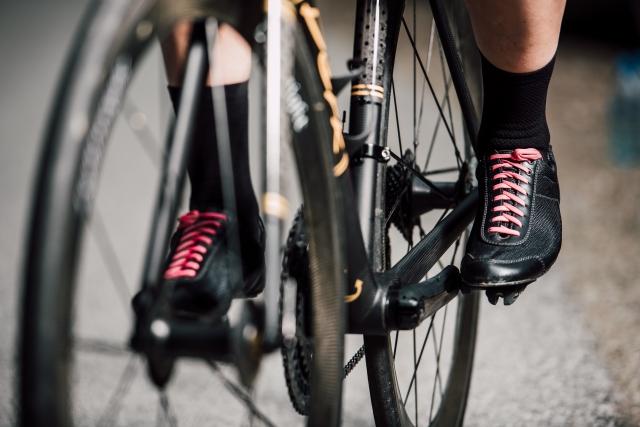 自転車のペダリングはふくらはぎを効率的に使う方がよい!?