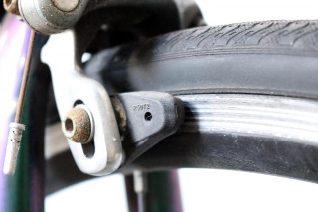 自転車のブレーキ調整と何かが当たる音について